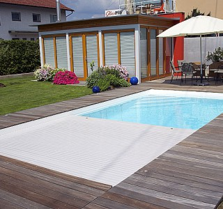 schwimmbad_rollokasten_malta.jpg